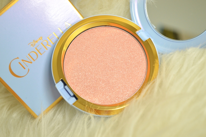 MAC Coupe D'Chic Highlighter