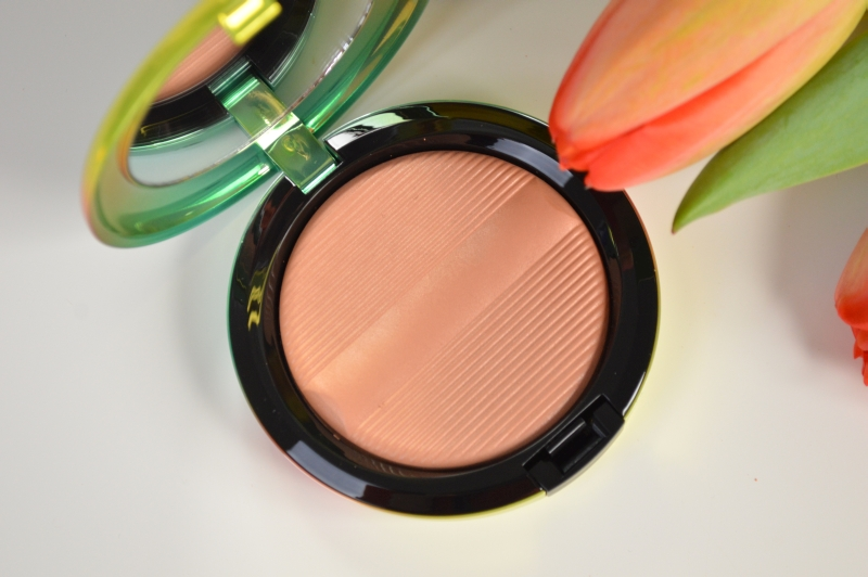 MAC Wash & Dry Golden Rinse Studio Sculpt Defining Bronzing Powder Mikalicious