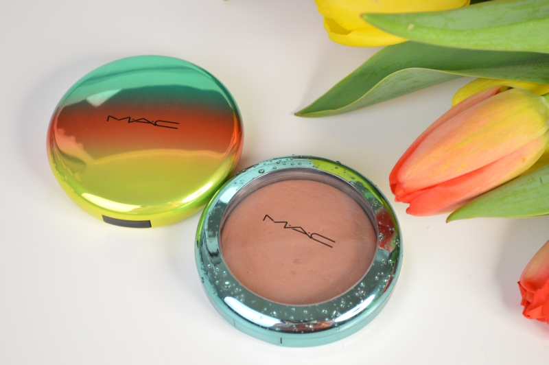MAC Wash & Dry Golden Rinse Studio Sculpt Defining Bronzing Powder vs. MAC Aphrodite's Shell