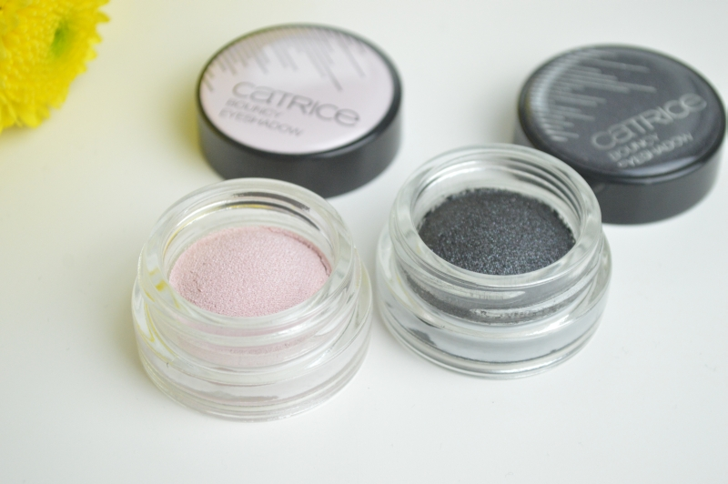 Catrice Bouncy Eyeshadow Strike a Rose Contains Carmine Linda Evan-Grey-Lista Review