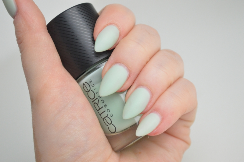 Catrice Sense of Simplicity LE Nagellack Minimalistic Mint Review Mikalicious