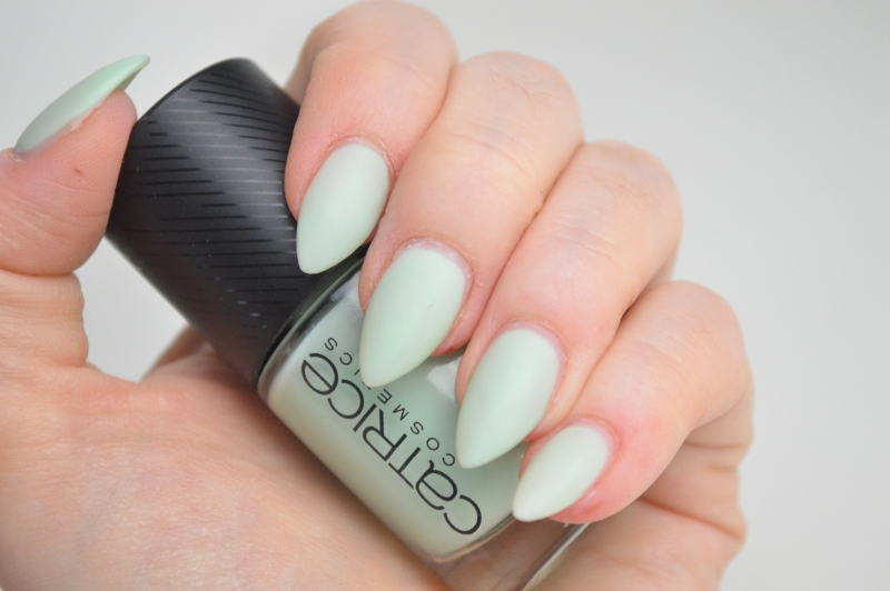 Catrice Sense of Simplicity LE Nagellack Minimalistic Mint Swatches