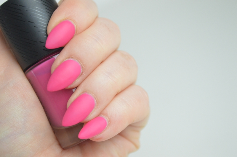 Catrice Sense of Simplicity LE Nagellack Pure Pink Tragebilder Mikalicious