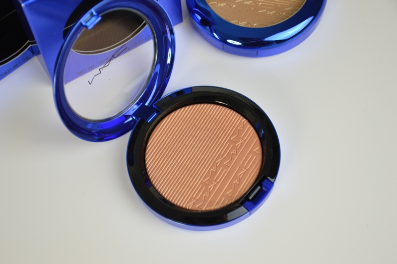 MAC Magic of the Night LE Extra Dimension Skinfinish Shaft of Gold  Highlighter