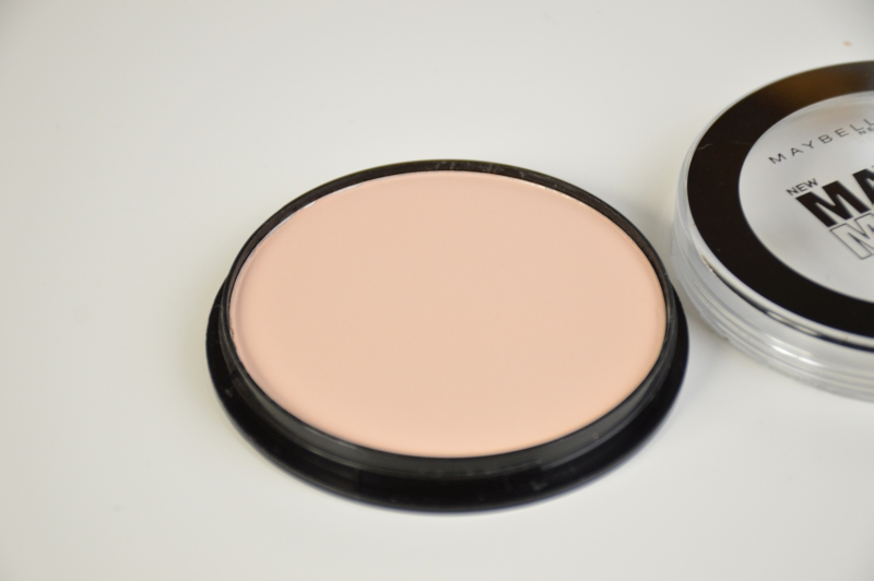 Maybelline Matte Maker Mattifying Powder in Light Beige Mikalicious