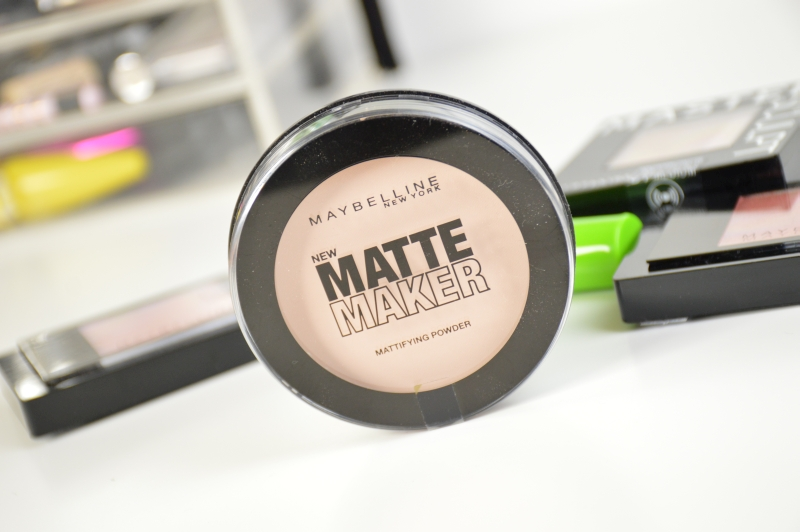 Maybelline Matte Maker Mattifying Powder in Light Beige