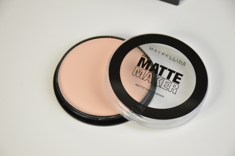 Maybelline Matte Maker Mattifying Powder in Light BeigeMaybelline Matte Maker Mattifying Powder in Light Beige Puder