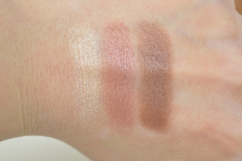 Essence Lights of Orient LE  Lidschattenpalette We love Arabian Nights Swatches Reihe 1