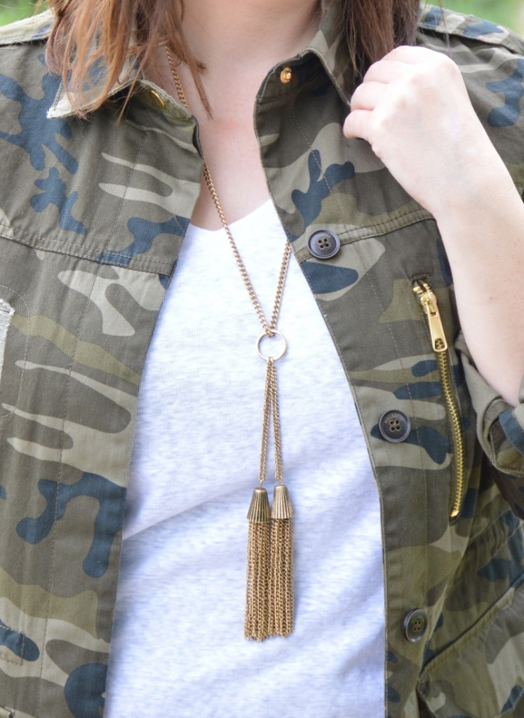 Happiness Boutique  Golden Tassel Statement Necklace Vintage Gold