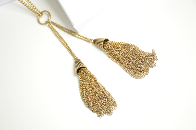 Happiness Boutique  Golden Tassel Statement Necklace Vintage Gold Beautyblogger OOTD