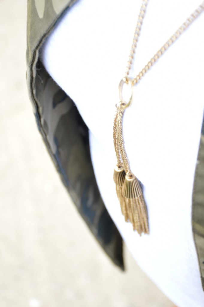 Happiness Boutique  Golden Tassel Statement Necklace Vintage Gold Kette