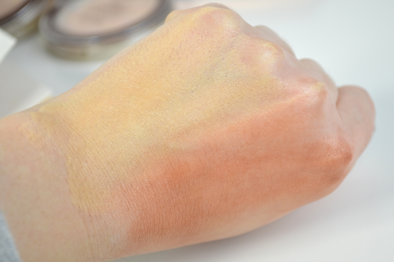 P2 Bronze & Highlight Blotting Papers Sunshine Goddess LE Swatches