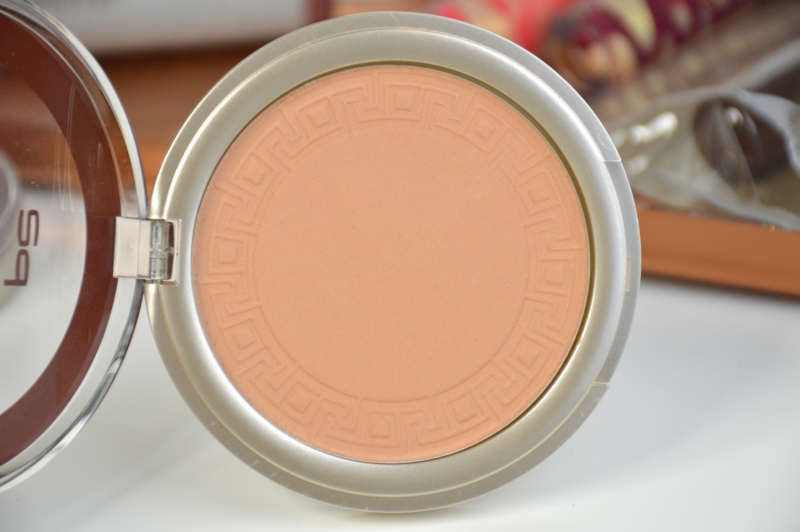 P2 Daily Defense Summer Powder Sun Tanned Sunshine Goddess LE Beautyblog