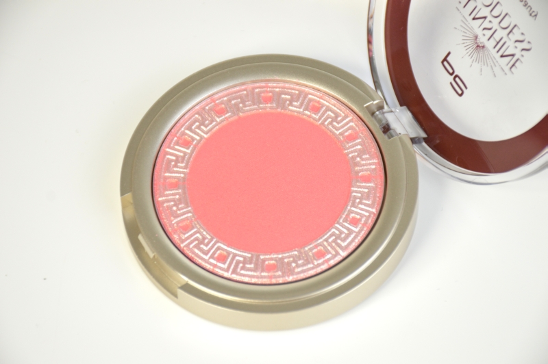 P2 Venus Beauty Blush Sensual Rose Sunshine Goddess LE Beautyblog