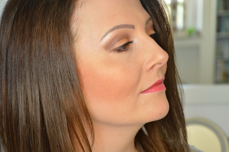 Tragebilder P2 Bronzing HIghlighter + Lipgloss Sunsational Pink Sunshine Goddess LE Beautyblog