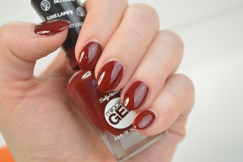 Sally Hansen Miracle Gel Nagellack Can't beet royalty Review