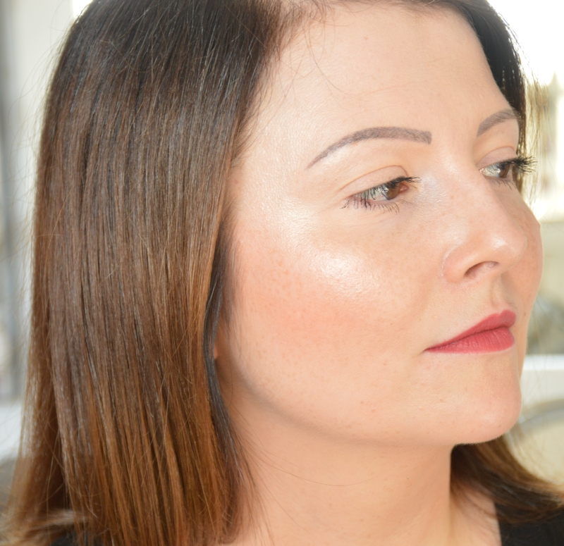 tragebilder-catrice-highlighting-stick-gentle-glow-mikalicious