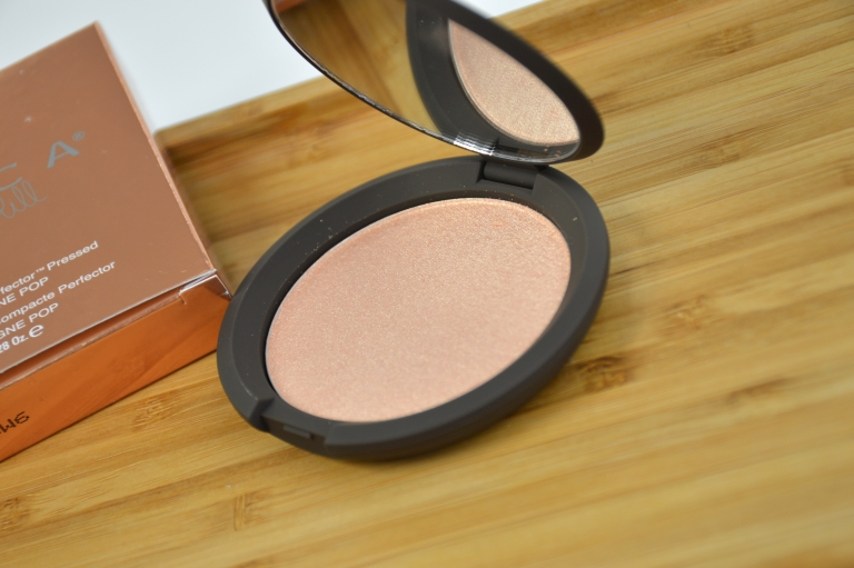 becca-jaclyn-hill-champagne-pop-highlighter-beautyblog-mikalicious