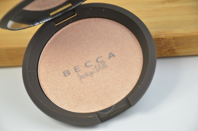 becca-jaclyn-hill-champagne-pop-highlighter-mikalicious