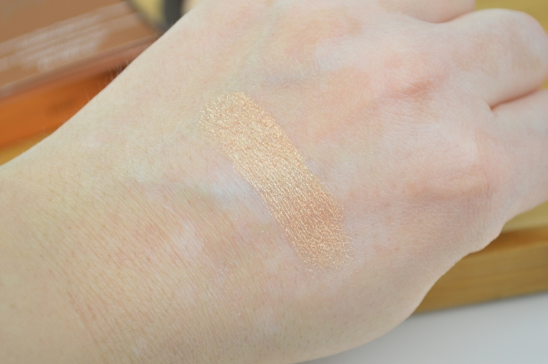 becca-jaclyn-hill-champagne-pop-highlighter-swatches