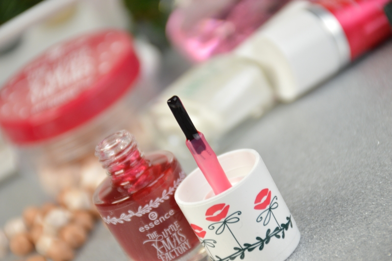 essence-the-little-x-mas-factory-le-liptint-all-i-want-for-x-mas-is-you-review