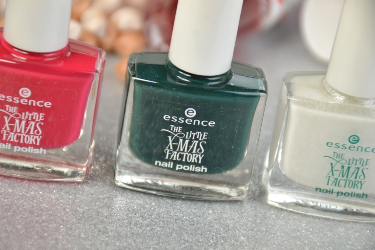 essence-the-little-x-mas-factory-le-nagellack-meet-me-under-the-mistletoe