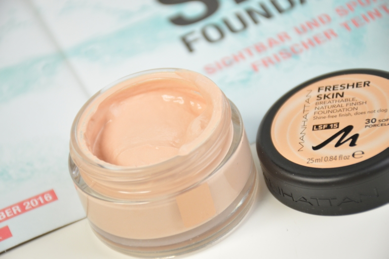 manhattan-fresher-skin-foundation-30-soft-porcelain