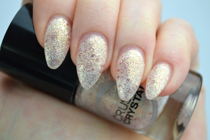 Catrice_Crushed_Crystals_Oyster_and_Champagne_mikalicious