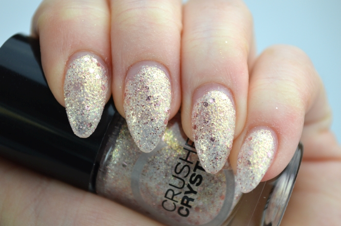 Catrice_Crushed_Crystals_Oyster_and_Champagne_nagellack