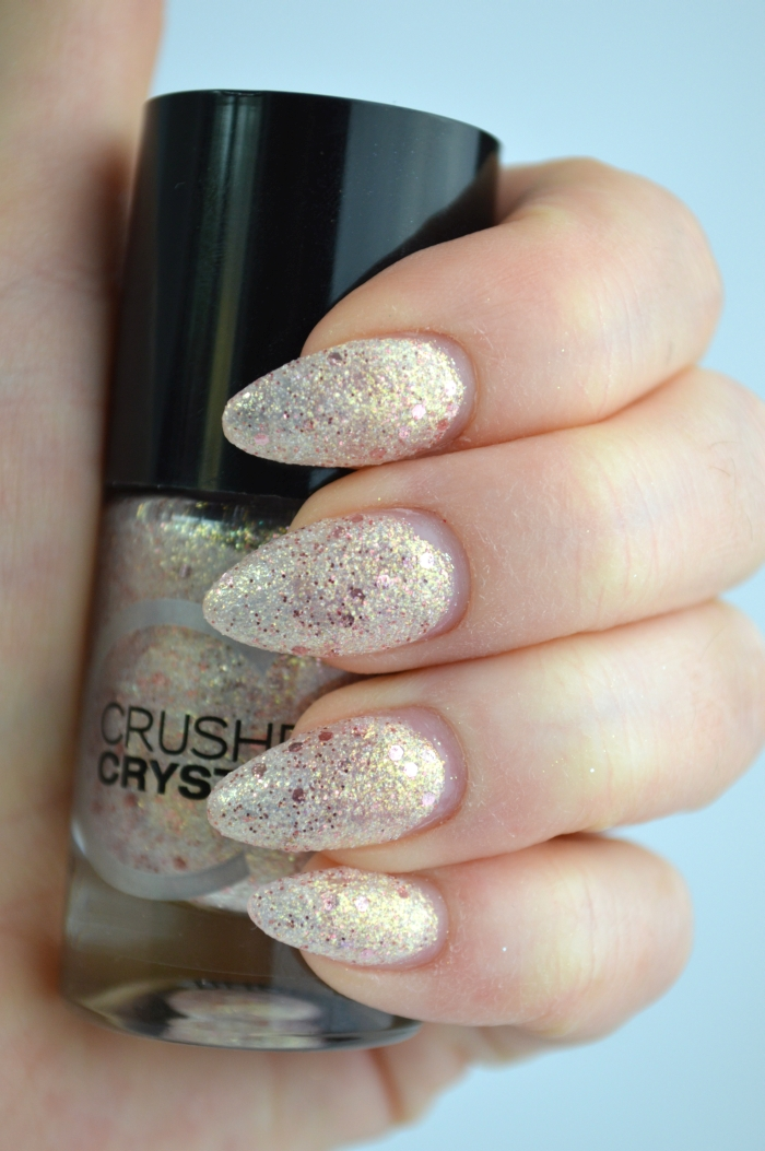 Catrice_Crushed_Crystals_Oyster_and_Champagne_review