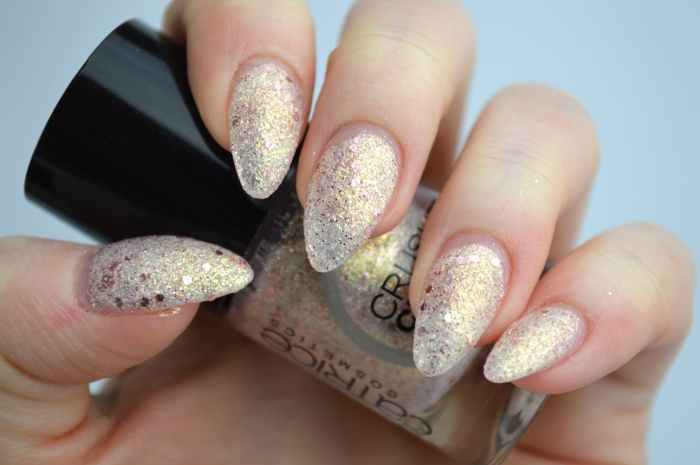 Catrice_Crushed_Crystals_Oyster_and_Champagne_swatches