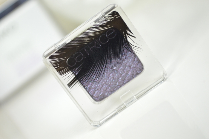 Catrice_Feathered_Fall_LE_Lidschatten_Plum_Plumes