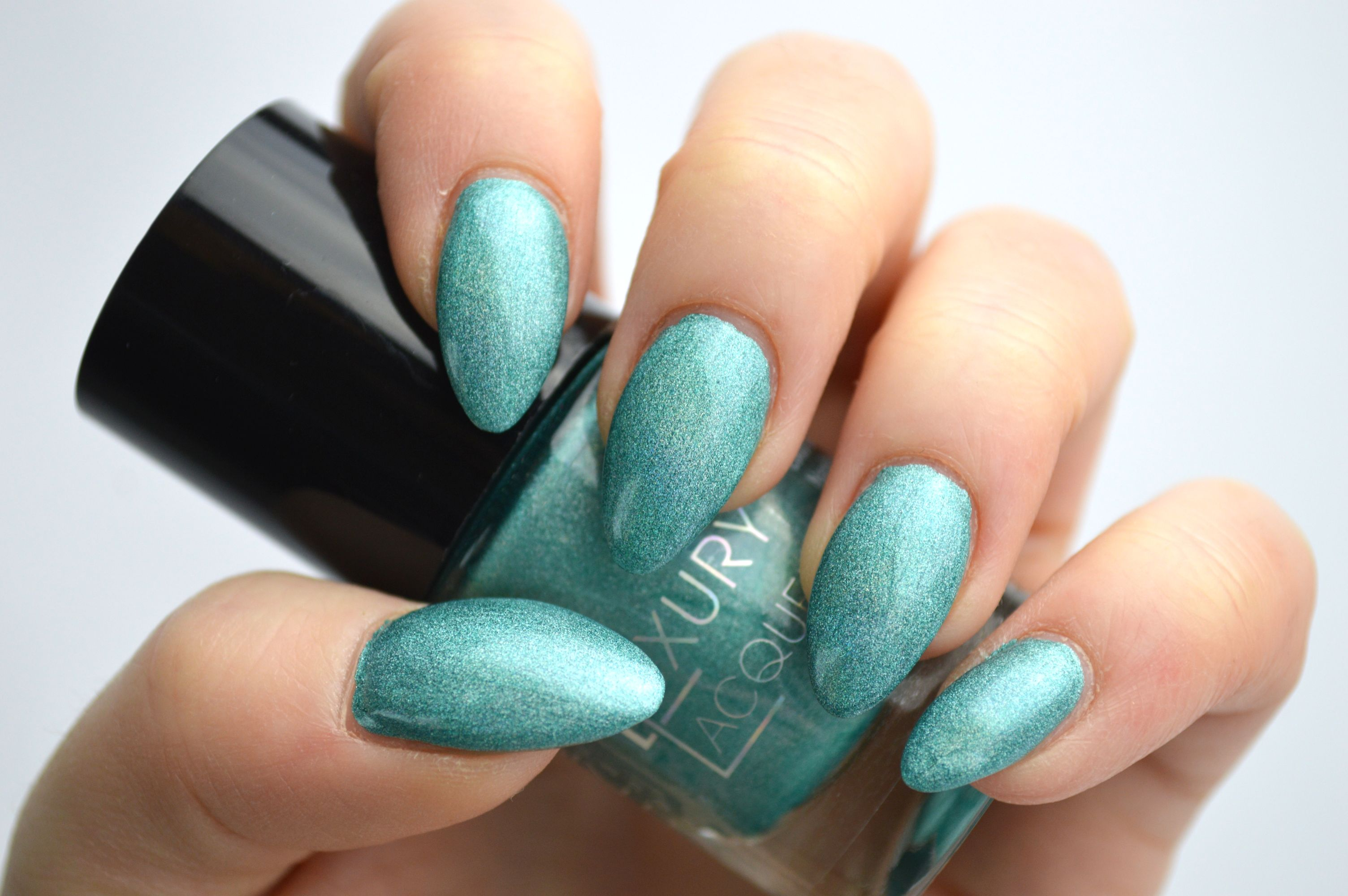 Catrice_Holomania_Holo_in_One