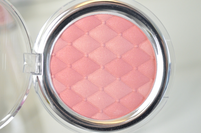 Catrice_Illuminating_Blush_Review_mikalicious