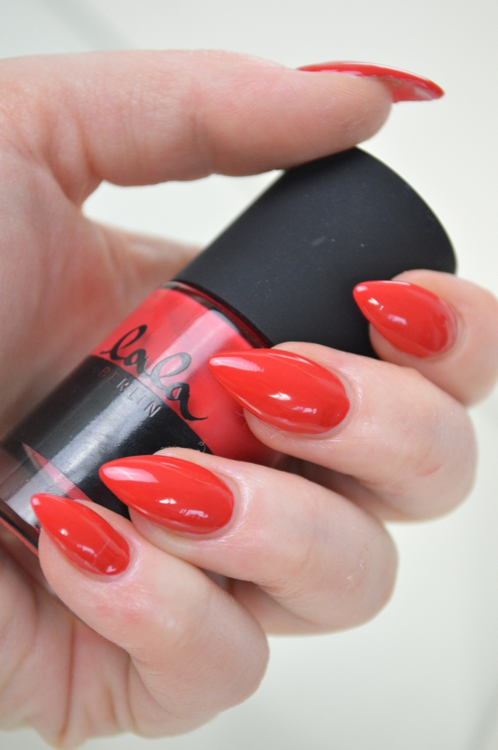 Catrice_Lala_Berlin_Ruby_Red_Nagellack