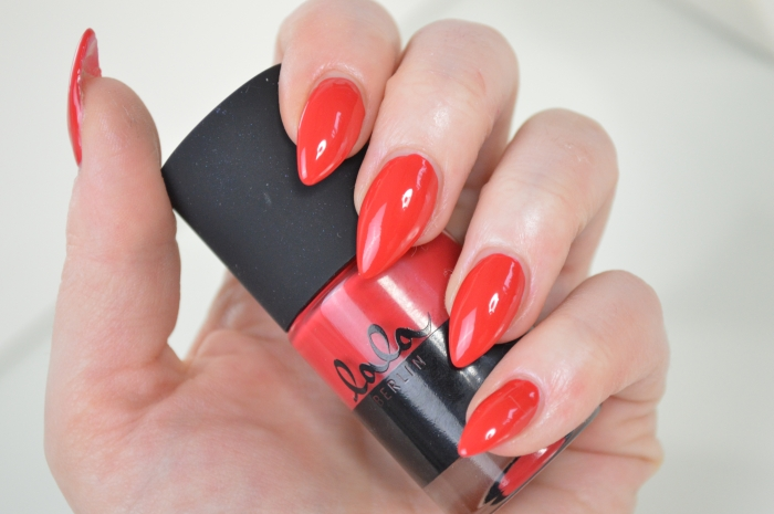 Catrice_Lala_Berlin_Ruby_Red_Swatches