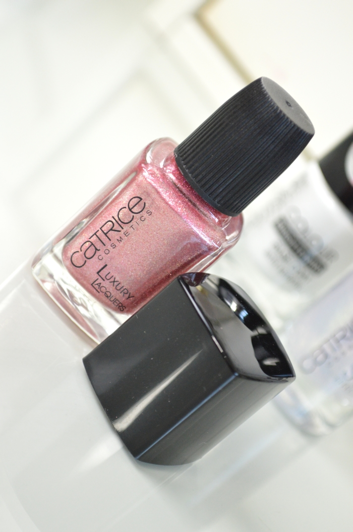 Catrice_Luxury_Lacquers_My_Satin_Ballet_Shoes_Glitzer