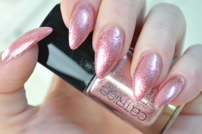 Catrice_Luxury_Lacquers_My_Satin_Ballet_Shoes_Nagellack_Review