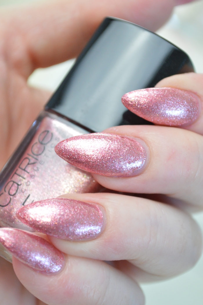 Catrice_Luxury_Lacquers_My_Satin_Ballet_Shoes_Nailpolish