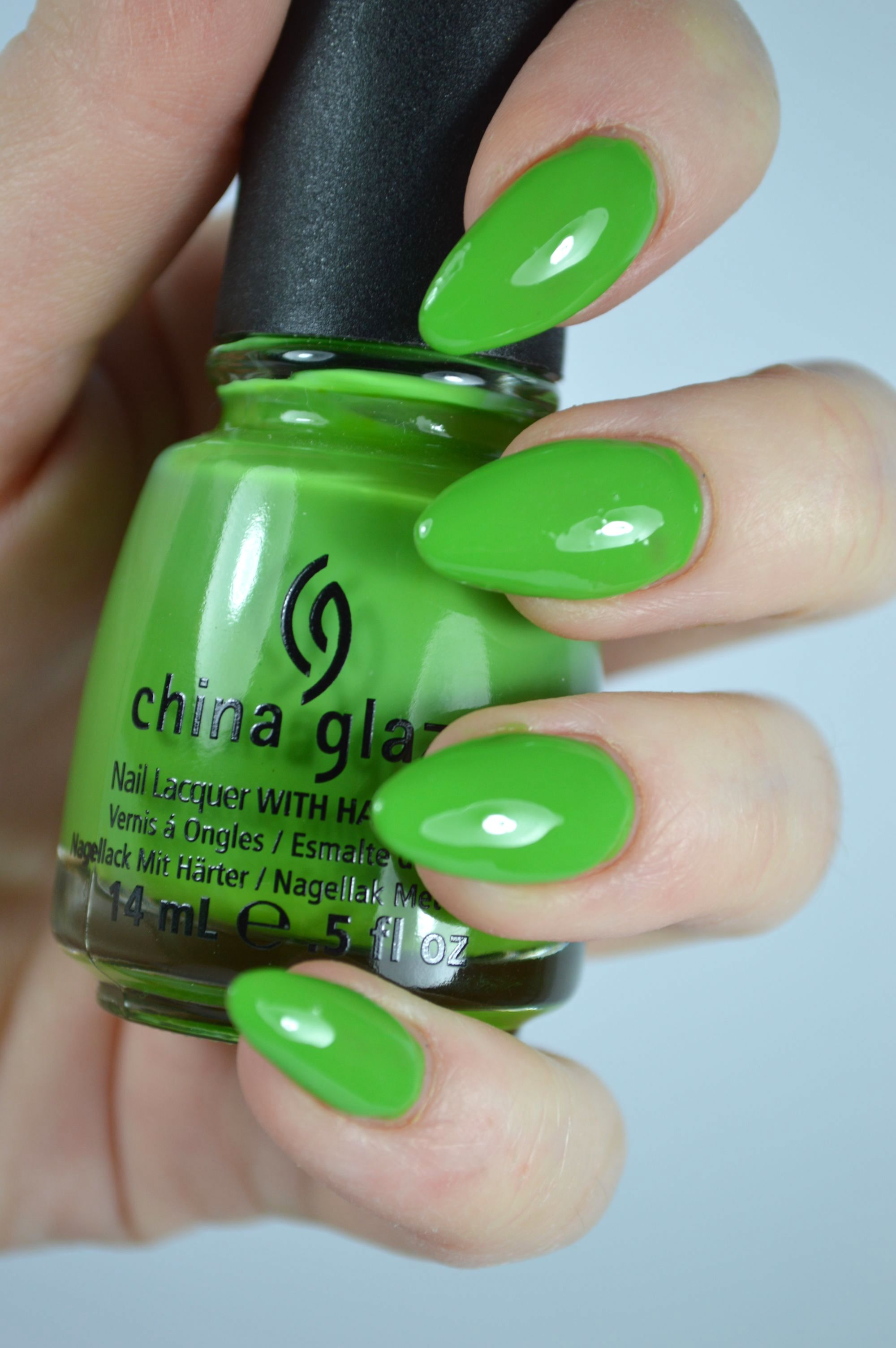 China_Glaze_Gaga_for_Green_Swatches
