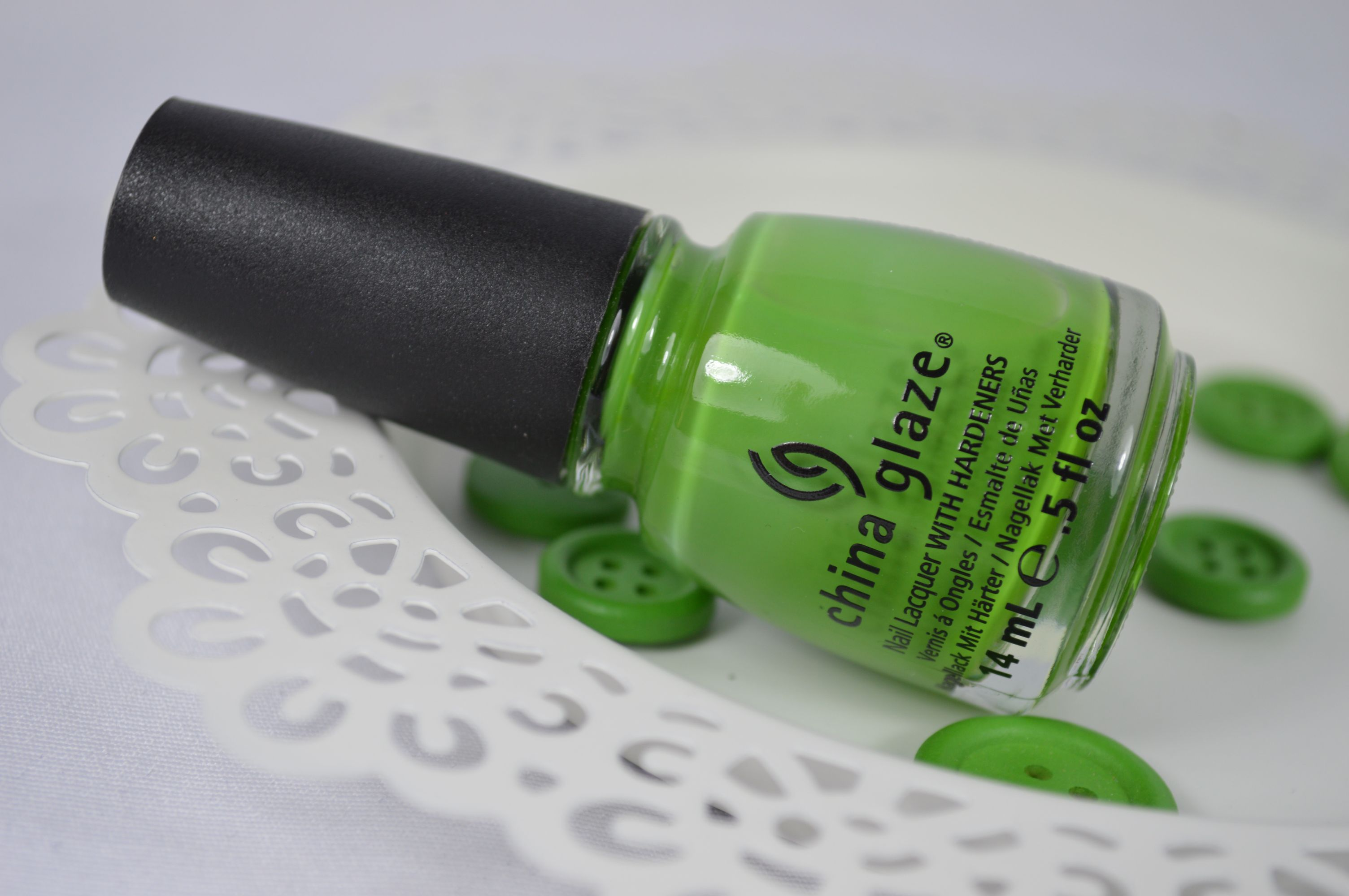 Aufgepinselt: China Glaze Gaga for Green