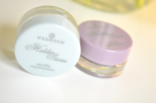 Review: Essence Hidden Stories Soufflé Eyeshadow