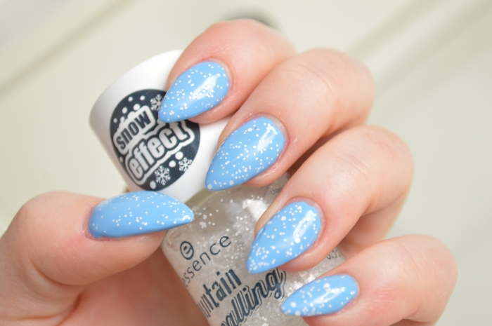 Essence_Snow_Alert_Topcoat_Today_is_fun_day_Review