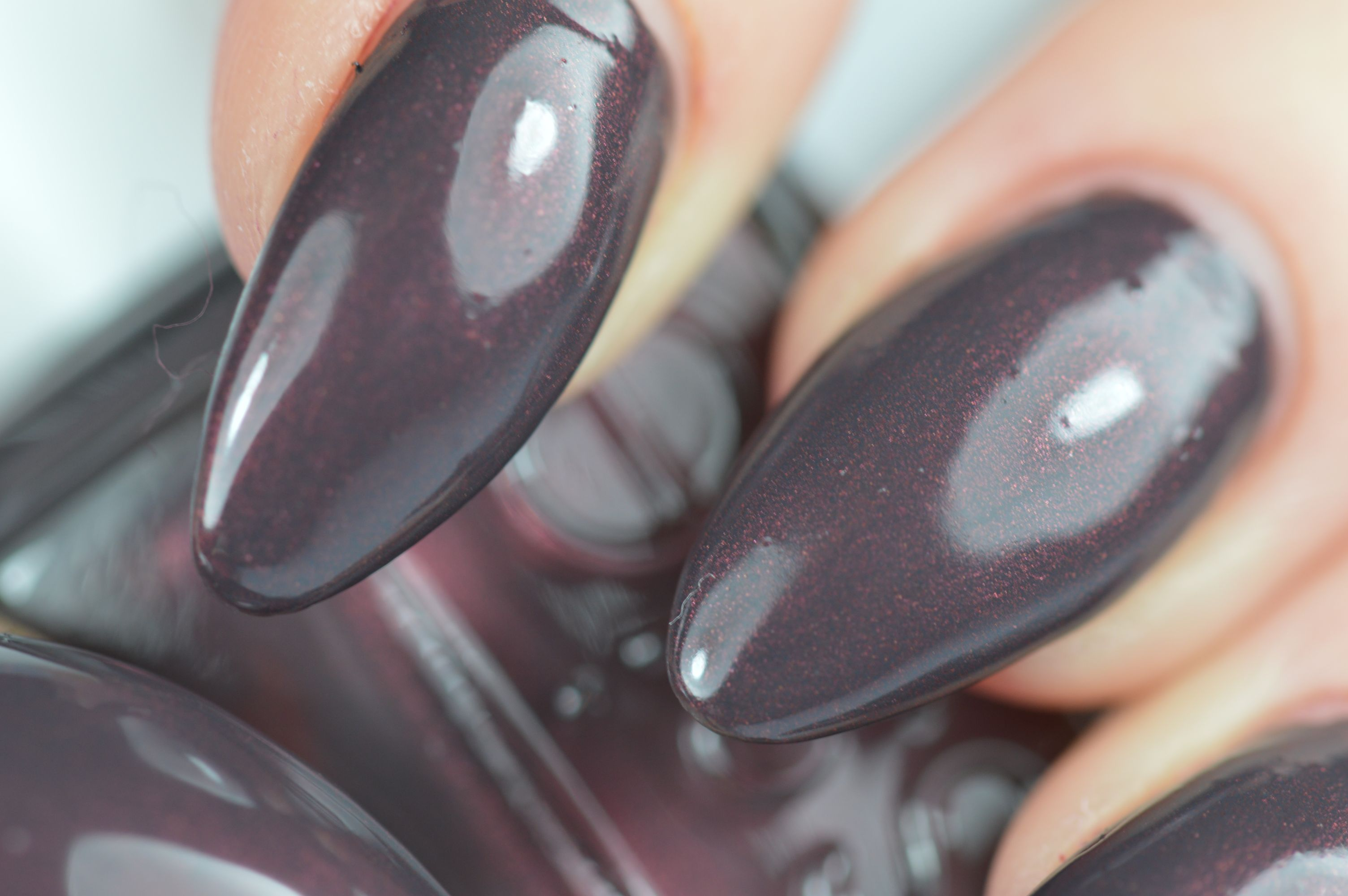 Essie Sable Collar Nagellack Review