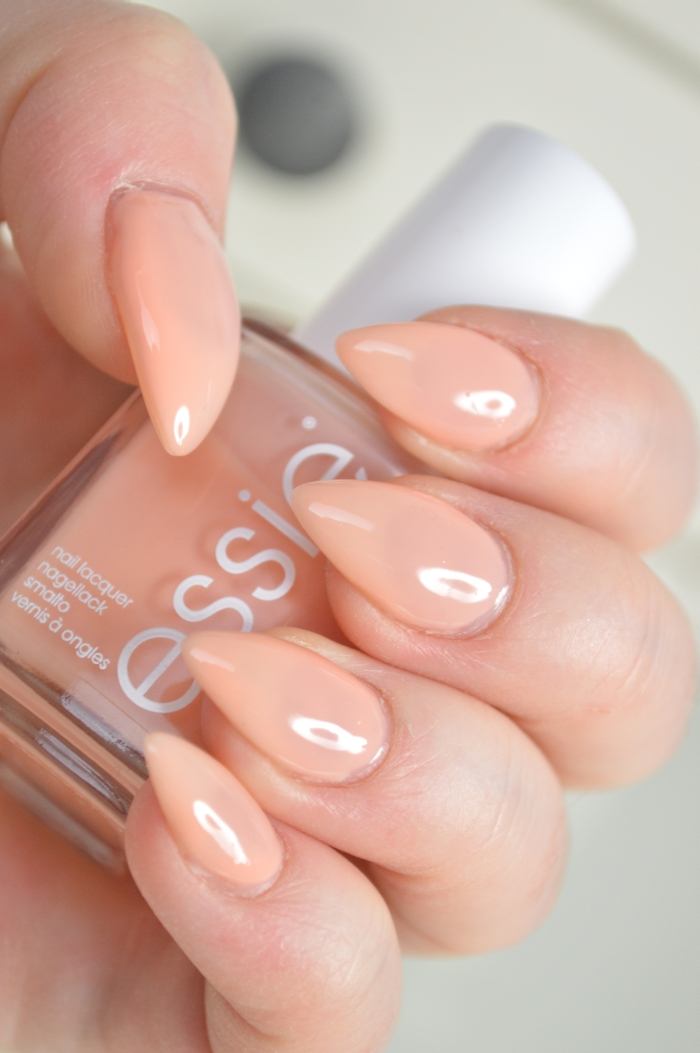 Essie_Back_in_the_limo_mikalicious