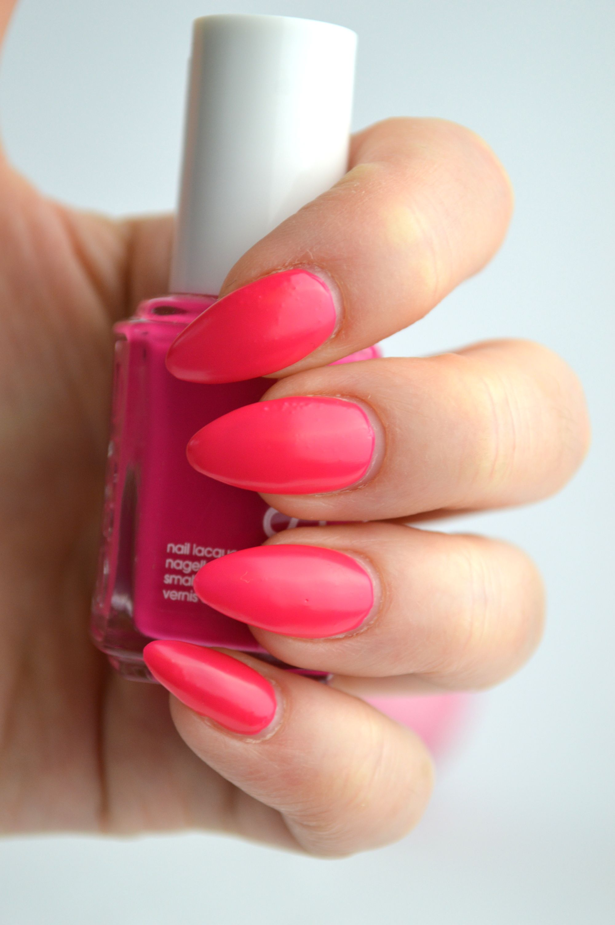 Essie_Bottle_Service