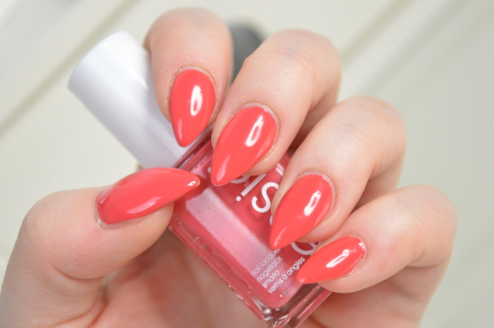 Essie_Bump_Up_The_Pumps_Review
