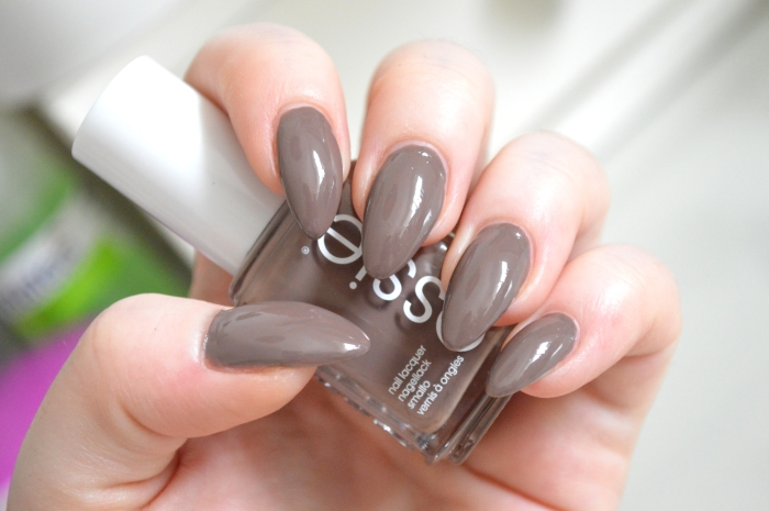 Essie_Fierce_No_Fear_Nagellack