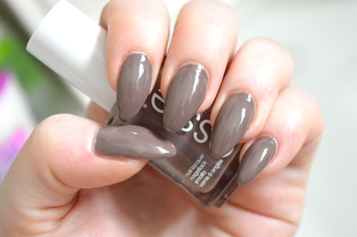 Essie_Fierce_No_Fear_Nagellack_LE
