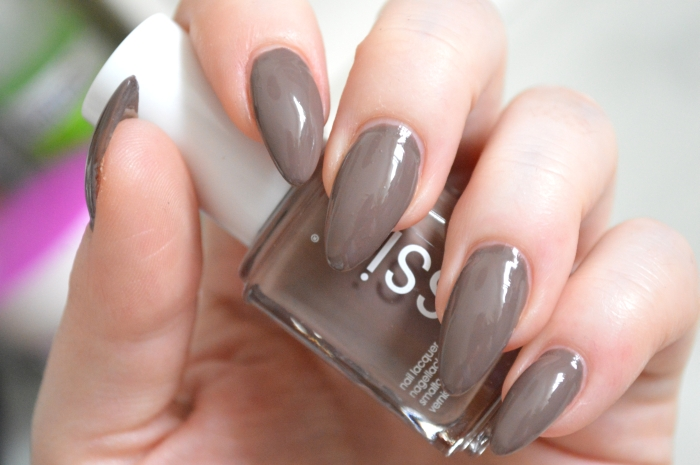 Essie_Fierce_No_Fear_Review